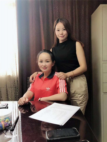 龙粤环保客户签单合照